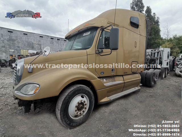 Tracto camión Columbia Freightliner 2010